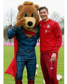 Robert Lewandowski / Fc Bayern München / Poland/ Polish National Team Robert Lewandowski, Sports Celebrities, Football Players, Athletes, Anna, Diamonds, Polish, Sweet, People