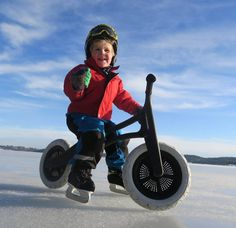 We love this! Still winter in Norway but skates and our Recycled Edition bike on the frozen fjord works just fine for 3yr old Brage. @aretallak #lovewinter #wishbonebike #balancebike #recyclededition #wishbonedesign #loopfiets #laufrad #wishbonerider by wishbonedesignstudio