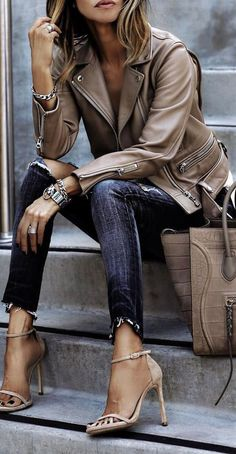 30 Chic Fall / Winter Outfit Ideas - Street Style Look. Fashion Mode, Look Fashion, Winter Fashion, Denim Fashion, Fashion Outfits, Womens Fashion, Classy Fashion, Latest Fashion, Fashion Ideas