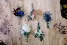 How to throw a boho geode wedding - 100 Layer Cake Boho Wedding, Floral Wedding, Dream Wedding, Boho Theme, Groom And Groomsmen Attire, Cascade Bouquet, Farm Tables, Corsages, Boutonnieres