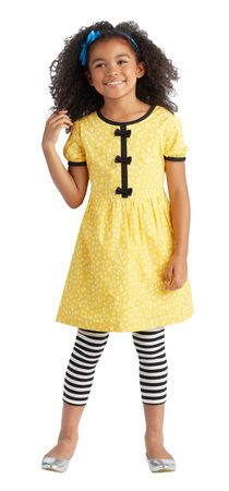 Shop online for cute kids clothes and shoes with FabKids. FabKids delivers high quality, ready-to-play boys and girls clothing & shoes every month! Cute Outfits For Kids, New Outfits, Cute Kids, Little Girl Fashion, Kids Fashion, Back To School Fashion, Stylish Kids, My Baby Girl, Children Advertising