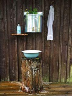 Outdoor Toilet, Outdoor Sinks, Outdoor Baths, Outdoor Bathrooms, Garden Shed Interiors, Outhouse Bathroom, Eclectic Bathroom, Outdoor Living, Bath