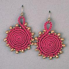 http://joanbabcock.blogspot.com/2014/02/knots-beads-and-trolls.html