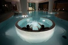 the pleasure is mine - wednesday - Thermae Bath Spa. Britain's only natural thermal spa in Bath, UK. Luxury Pools, Luxury Spa, Modern Luxury, Sauna, Jacuzzi, Spas, Piscina Spa, Spa Luxe, Spa Weekend