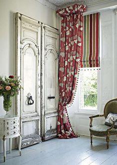 Красивые портьеры для зала: фото с идеями