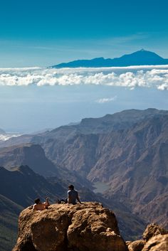 Just enjoying the view of Gran Canaria & Tenerife (by Sergio Formoso)