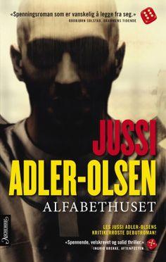 """""""Alfabethuset"""" er Jussi Adler-Olsens debutbok - en krigsroman og en nervepirrende psykologisk thriller. Olsen, Ark, My Books, Pilot, Things I Want, Reading, Movies, Movie Posters, Eagle"""
