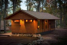 This under 200 sq ft cabin, inspired by Frank Lloyd Wright, is technically a modular home and so avoids taxes. | Tiny Homes