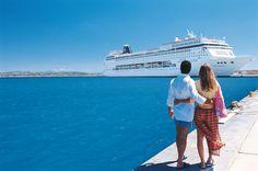Blick auf die MSC Armonia, rund 2.000 Passagiere passen an Bord