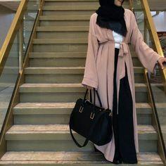 Let's Connect: Website: www.hijabchicblog.com Facebook…