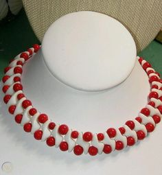 Vintage Bakelite Celluloid Lucite Red & White Necklace Choker Very Unique Plastic Jewelry, White Necklace, Red And White, Chokers, Beads, Unique, Color, Vintage, Beading