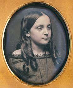 Gods and Foolish Grandeur: A woman's true face - early daguerreotypes of women and girls, circa * Victorian Photos, Antique Photos, Vintage Pictures, Vintage Photographs, Old Pictures, Vintage Images, Old Photos, Victorian Era, Edwardian Era