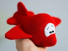 Cartoon airplane - FREE crochet pattern