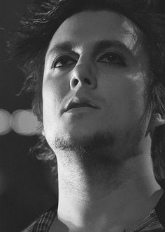 Synyster Gates<3