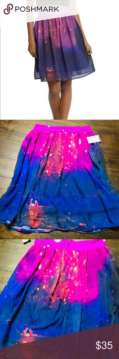 💎FLASH SALE💎Tangled {Lantern}Chiffon Skirt🎀 Where are my Rapunzel Fans??!!🤗🤗🤗 How AMAZING is this Skirt?! STUNNINGLY Vibrant Colors-INCREDIBLY Soft and Whimsy Material🤗♥️ This Chiffon Skirt is Absolutely GORGEOUS!! Women's Size:Medium 100%Polyester. Hot Topic Skirts