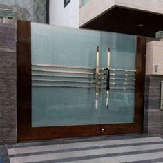 Hinged Silver Stainless Steel Gate, for Residential, Material Grade: Rs 1200 /square feet Gate Wall Design, House Main Gates Design, Steel Gate Design, Front Gate Design, Wooden Main Door Design, Pvc Gate, House Front Gate, Gate Designs Modern, Stainless Steel Gate