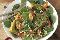 Pumpkin and spinach salad Pair this nutty salad with pizza, a barbecue lunch or enjoy it as a meal of its own. See notes section for Low FODMAP diet tip. Roast Pumpkin Salad, Spinach Salad Recipes, Iron Rich Foods, Cooking Recipes, Healthy Recipes, Healthy Soup, Soup Recipes, Yummy Recipes, Fodmap Recipes