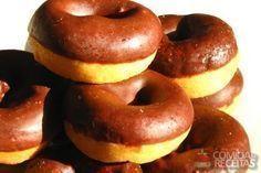 Receita de Donuts de chocolate em receitas de biscoitos e bolachas, veja essa e outras receitas aqui!