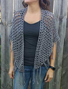 Triangle fringe boho crochet pattern by TiffsCraftyCreations