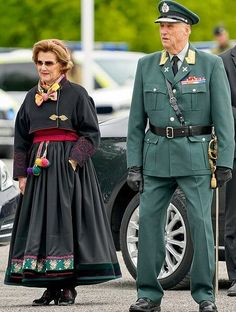 May 2020 - Norwegian Royal family attended a ceremony held for the Liberation Day and National Veterans Day - King Harald, Crown Prince Haakon. Queen Sonja and Crown Princess Mette-Marit is wearing traditional clothing