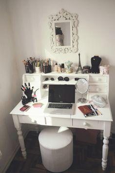 Find Your Fantasy Makeup Room Inspiration Here . Girls Bedroom, Bedroom Decor, Bedroom Ideas, Girl Room, Bedroom Furniture, Master Bedroom, Bedroom Wardrobe, Bedroom Designs, White Dressing Tables