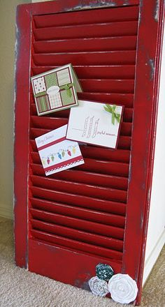 Christmas card holder.  Now I know what I can do with one of my old shutters that I bought @ a yard sale in Ivanhoe a few years ago, certain that there was something I want to do with them if I could just figure out what!