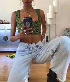 women's fashion, women's street style, street wear, denim, accessories Source by nikkiowtx outfits jeans Fashion Killa, Look Fashion, Classy Fashion, French Fashion, Fall Fashion, Mode Outfits, Fashion Outfits, Denim Outfits, Fashion Belts