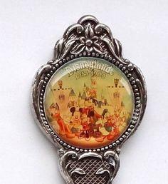 Collector Spoon USA California Anaheim Disneyland 1955 to 1990 Souvenir