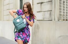 Spring Floral Dress on model Tilda Lindstam Floral Fashion, Green Fashion, Love Fashion, Fashion Trends, Spring Fashion, Fashion Ideas, Tommy Ton, Mochila Kanken, Kanken Backpack