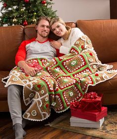 Gingerbread House Throw free crochet pattern - Free Crochet Christmas Blanket Patterns - The Lavender Chair