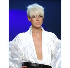 La coupe courte d\'Agyness Deyn | GLAMOUR PARIS