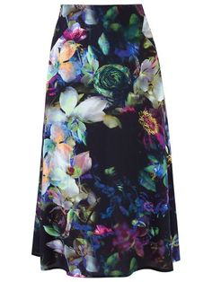 Compre Erika Ikezili Saia midi estampada em Erika Ikezili from the world's best independent boutiques at farfetch.com. Compre em 400 boutiques em um único endereço.