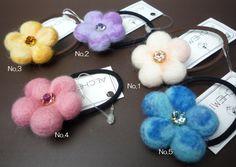 【楽天市場】羊毛フェルトのフラワーヘアアクセサリー(スワロフスキークリスタル付)【SW】:いころ