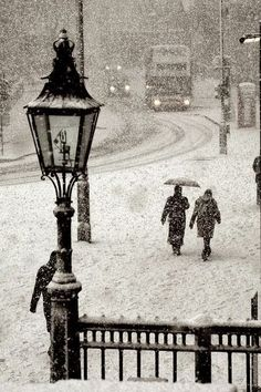 Snowstorm, Trafalgar Square, London - Explore the World with Travel Nerd Nici, one Country at a Time. http://TravelNerdNici.com