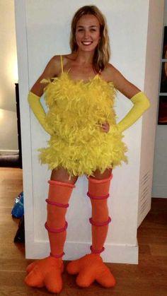 DIY Big Bird costume - Imgur Big Bird Halloween Costume, Elmo Costume, Chicken Halloween, Halloween Costumes Women Creative, Halloween 2019, Chicken Costumes, Dress Up Costumes, Diy Costumes, Carnival
