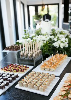 Baby Shower Food Table Set Up Style 21 Trendy Ideas Baby Shower Table Set Up, Baby Shower Brunch, Baby Shower Buffet, Shower Baby, Rebecca Judd, Aperitivos Para Baby Shower, Food Set Up, Boys Food, Brunch Party