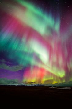 Aurora Borealis, Beautiful Sky, Beautiful Pictures, Landscape Photography, Nature Photography, Northen Lights, See The Northern Lights, Land Art, Amazing Nature