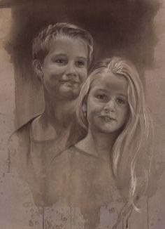 Jennifer Koning Broer & zus, kinderportret in houtskool en wit krijt 50 x 70 cm