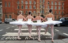 Danseuses en tutu dans les rues de Londres