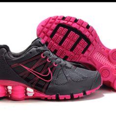 Sneaks - Nike Shox!