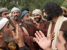 Free visuals: When the crowds saw that Bartimaeus could see, they were overcome and gave praise to God. Jesus continued down the road with Bartimaeus following Him.  Slide 14