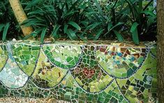 I have always wanted to Mosaic and would love to do something for the new house Mosaic Projects, Garden Projects, Mosaic Ideas, Garden Ideas, Craft Projects, Mosaic Tile Art, Mosaic Glass, Stained Glass, Pinterest Garden