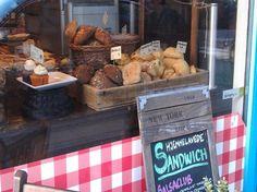 Krummen og kagen – Like visiting grandma