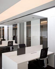 Acer Office in Barcelona by Francesc Rife _ Clean ceiling, lighting, contrast _
