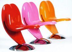 Tongue and Cheek, le sedie   (orripilante...starebbe bene nel blog  sul trash di una mia compagna)