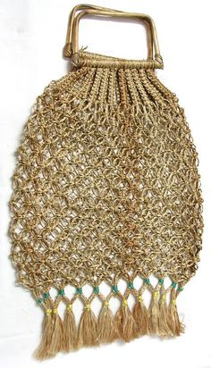Macrame shopping bag -- Love! This would be great for flea marketing!