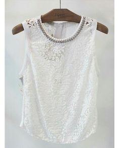 Quem adora mix de textura levanta a mão!   Blusa do nosso conjunto-desejo total white.  #poire #temnapoire #ootd #instafashion #renda