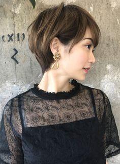分け目のつかない大人レイヤーショート(髪型ショートヘア)