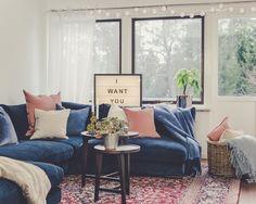 Blå Mammuten modulsoffa i sammet. Modul, soffa, låg, djup, vardagsrum, möbler, inredning, divan, hörn, fotpall.