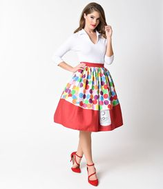 It's a gumball machine!  I need to find a reason to wear this.